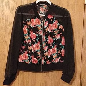 Charlotte russe flowered zip up blouse